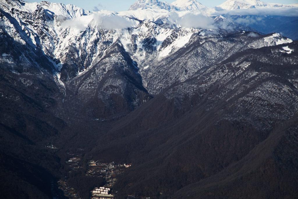 Вид с курорта Красная ПОляна на поселок