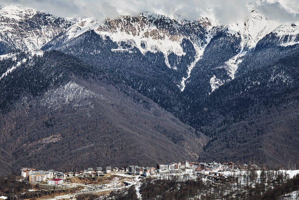 горная олимпийская деревня на роза хутор