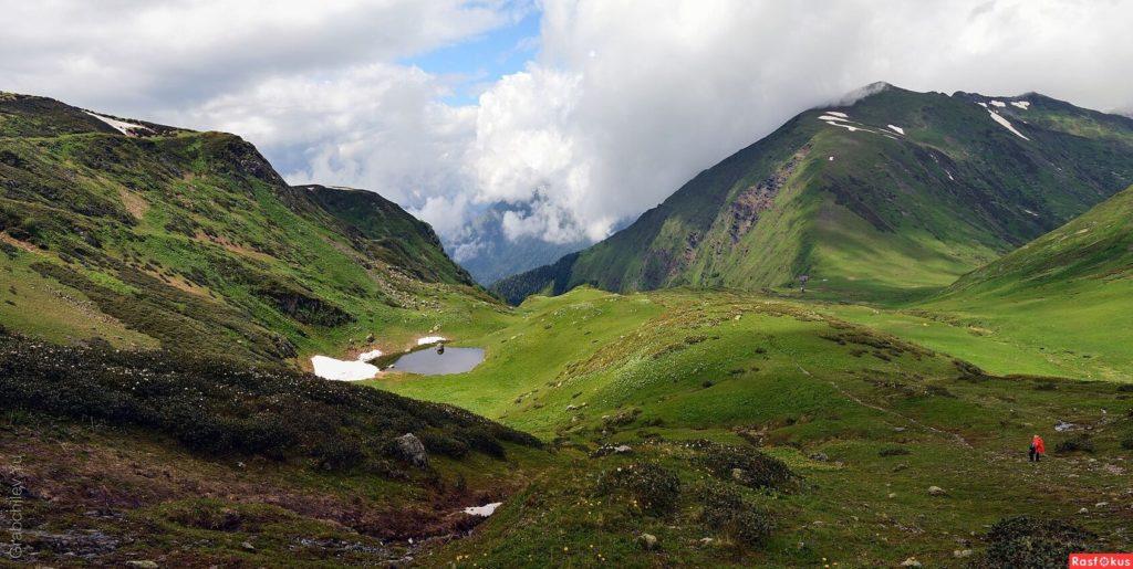 Поход на Бзерпинский Карниз и озеро Малое