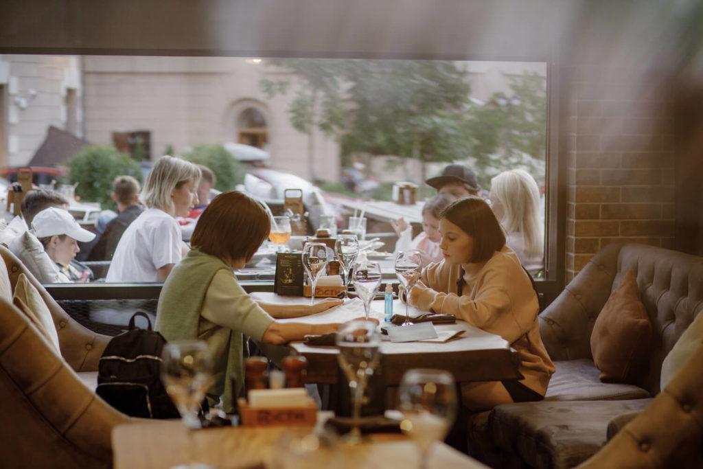 ресторан гости красная поляна