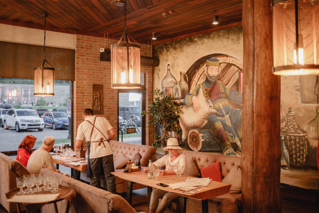 ресторан гостидзе курорт красная поляна
