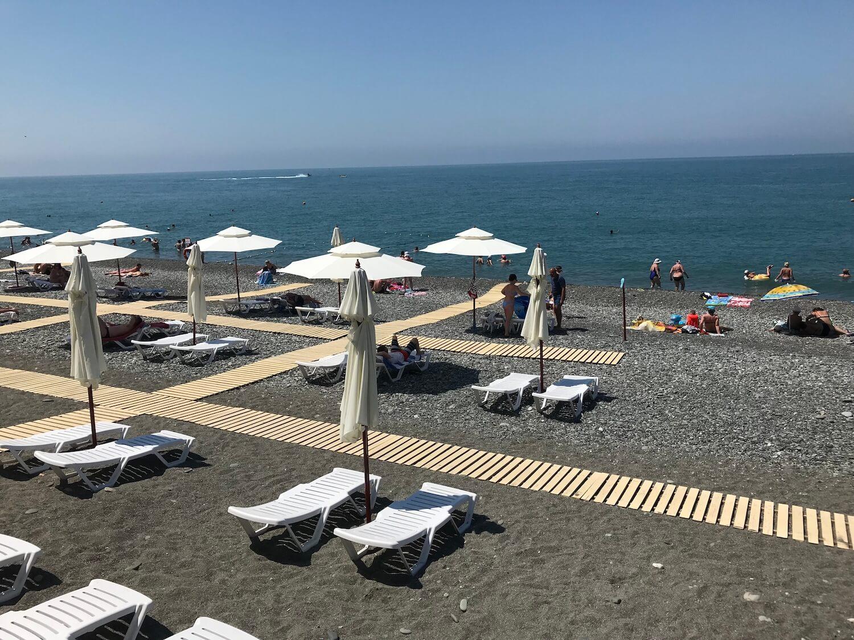 пляж огонек Сочи