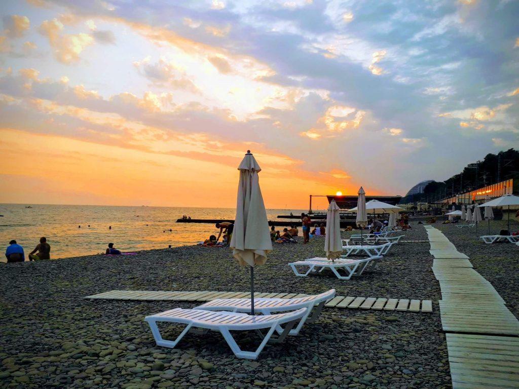 пляж спутник Сочи хоста