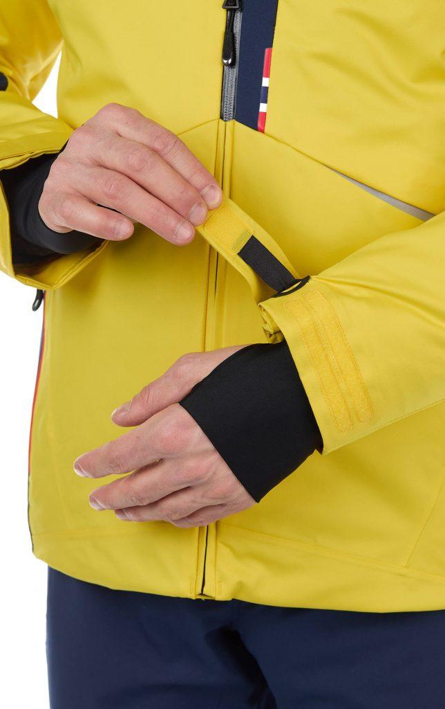 манжеты на рукавах горнолыжной куртки