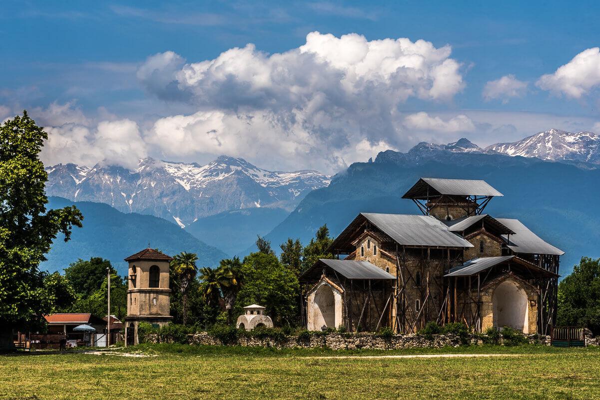 Лыхненский храм абхазия достопримечательности