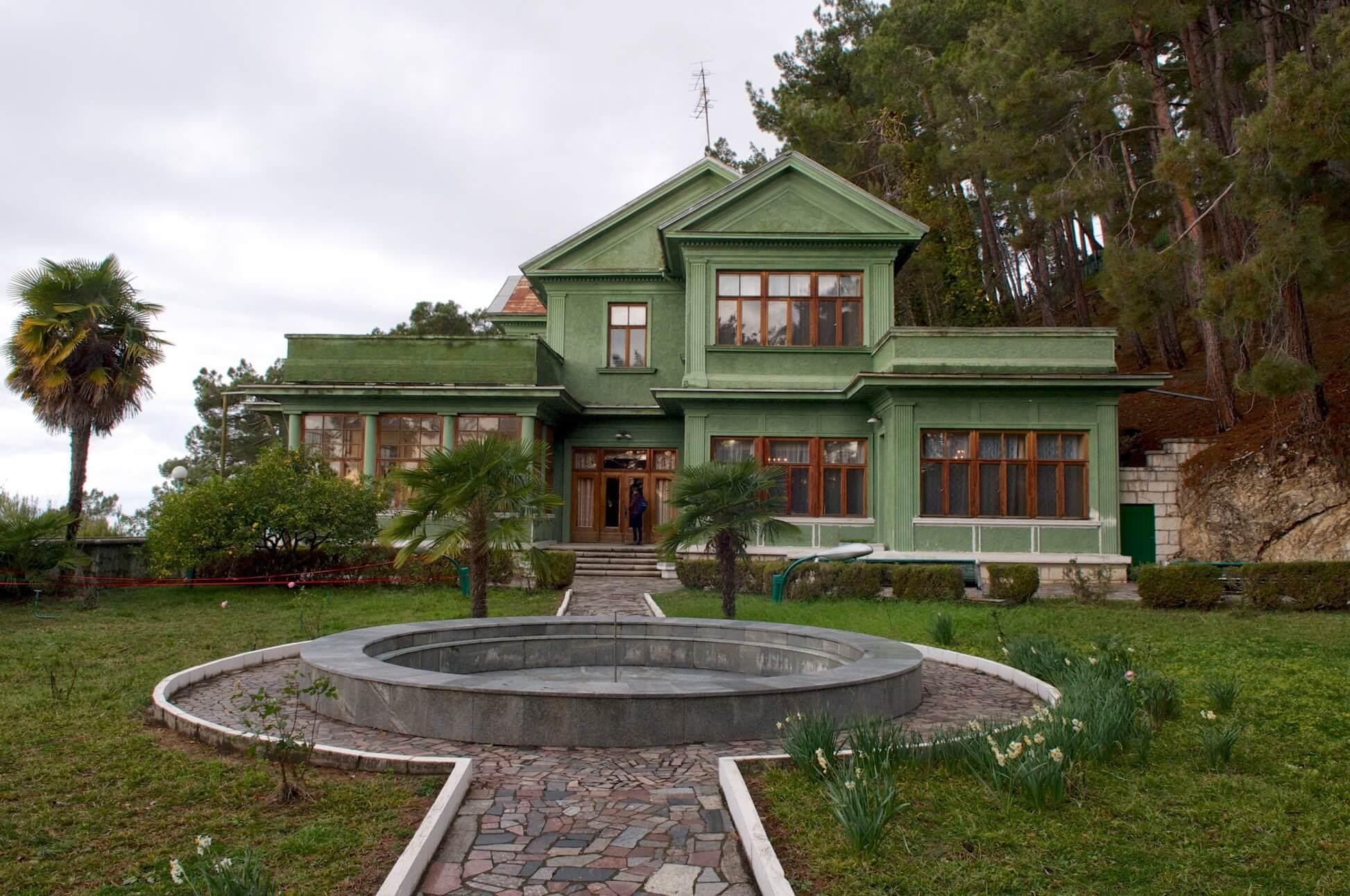 Дача Сталина абхазия