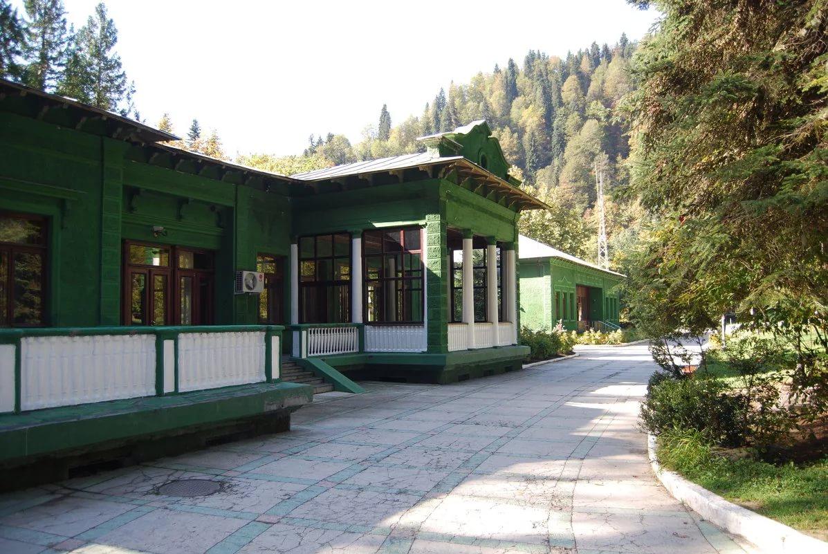 ТОП-20 достопримечательностей в Абхазии
