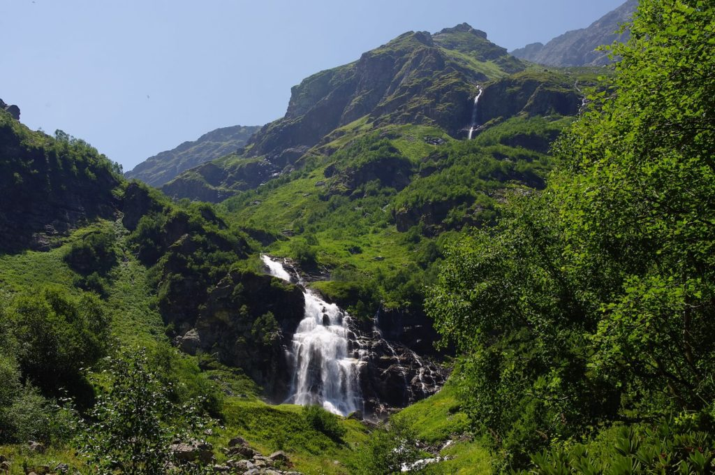 верхний имеретинский водопад