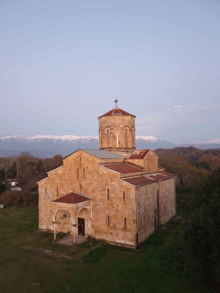 экскурсия в абхазию храм