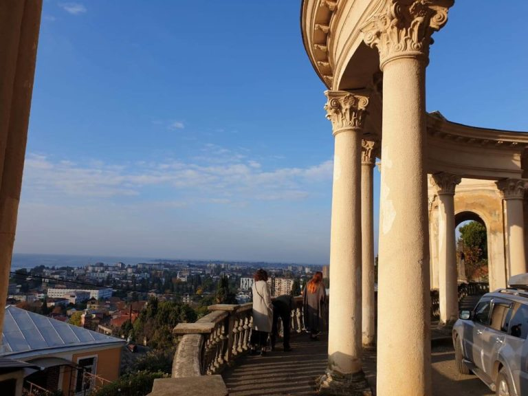экскурсия в абхазию архитектура