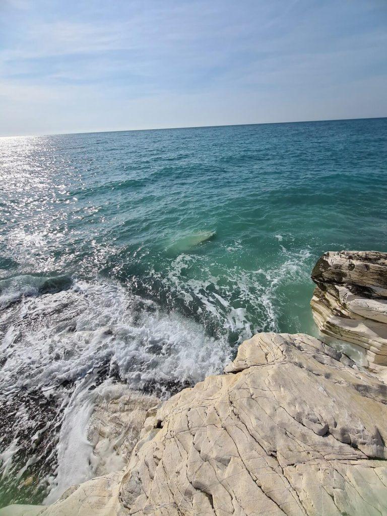 абхазия белые скалы