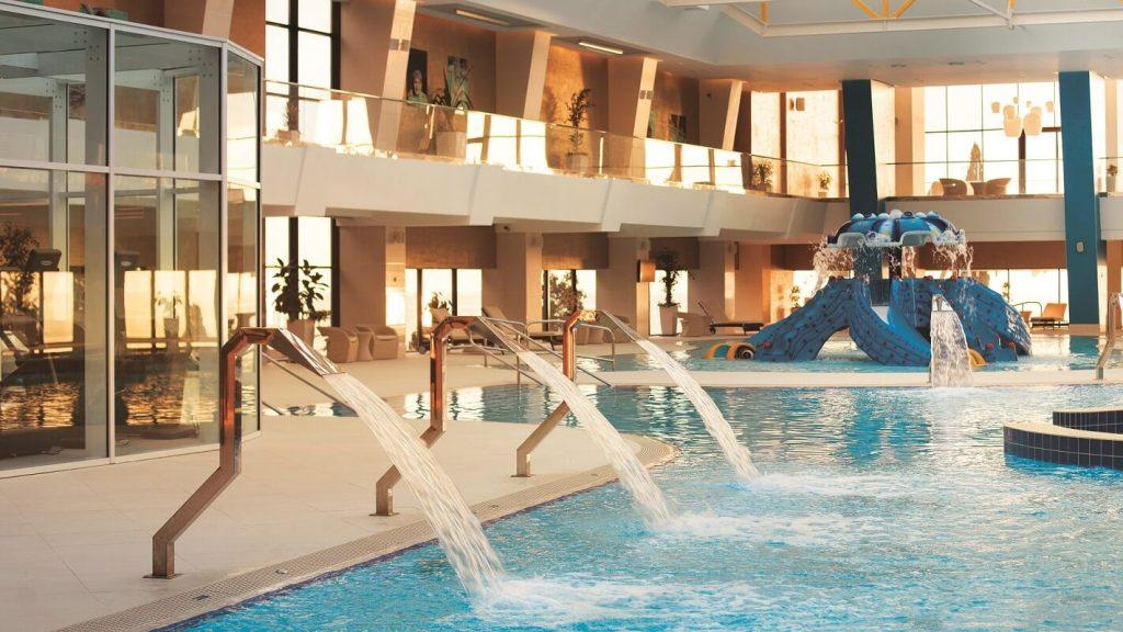 Radisson Lazurnaya Hotel бассейн